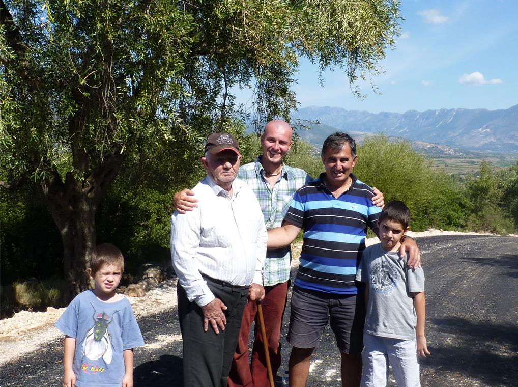 Familie von Olivenbauern